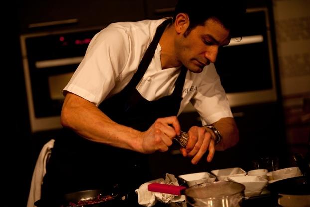 O chef que pôs Manhattan a babar-se por arroz de pato