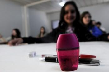 Os alunos podem usar lápis, borracha e apara-lápis apenas no rascunho