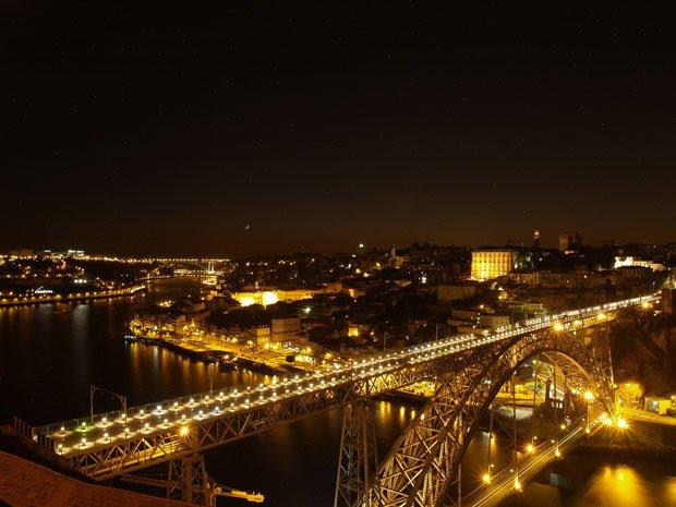 Uma imagem conseguida numa aventura à noite na cidade do Porto | Foto de João Cardoso (305)