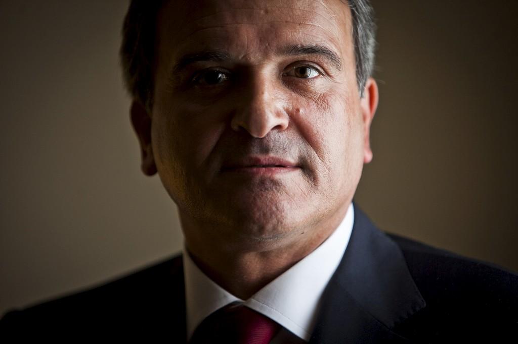 Miguel Relvas recebeu um relatório detalhado com um plano para reformar os serviços de informação