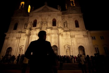 O corpo do pianista esteve durante uma hora em câmara ardente na Basílica da Estrela