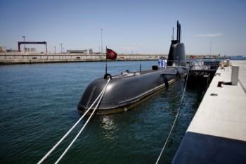 Submarino parado por falta de dinheiro para combustível