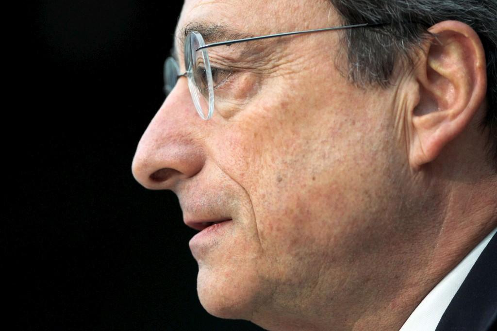 <p>Medidas do BCE permitiram à UE ganhar tempo, diz Mario Draghi</p>