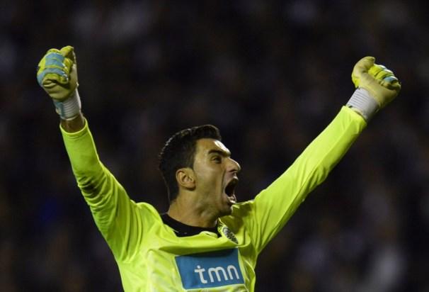 Rui Patrício só quer pensar no Euro 2012 e deixa o futuro para mais tarde