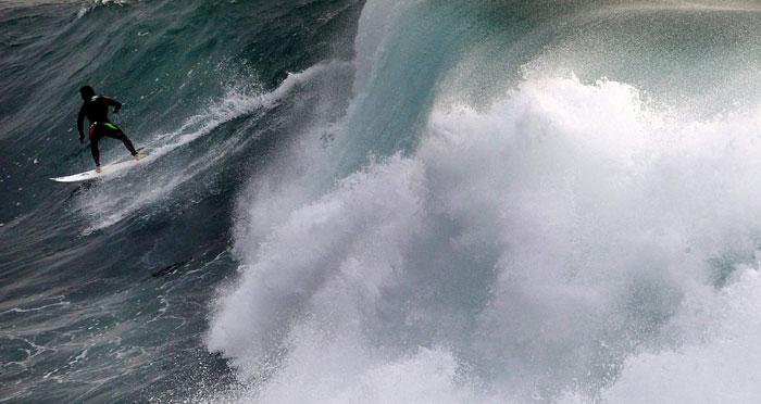 Austrália, Sydney, Deadman's Break | Uma onda gigante, um surfista pronto a cavalgá-la | 2011.07.22 |