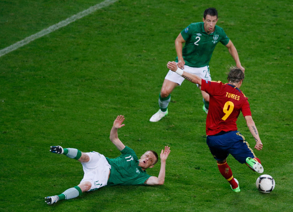 Monólogo espanhol cumpre os objectivos e empurra irlandeses para fora do Euro