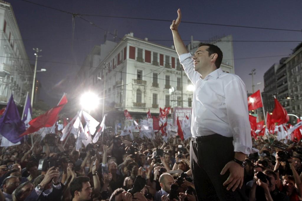 Tsipras teve muito mais gente a ouvi-lo do que no último comício antes da votação de 6 de Maio
