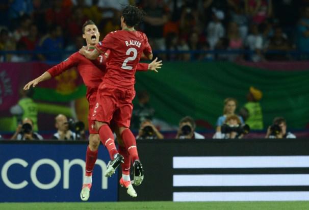 Bruno Alves festaja golo com Cristiano Ronaldo