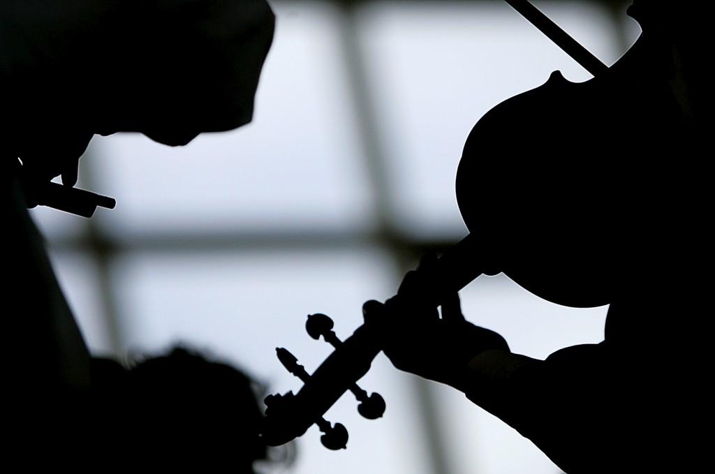 A propagação e a perpetuação de determinadas canções também depende da preferência dos ouvintes