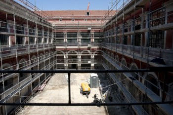 O custo da empreitada na escola Passos Manuel custou mais 46,5% do que previsto inicialmente