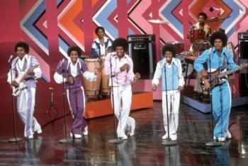 Os Jacksons vão voltar a actuar todos juntos