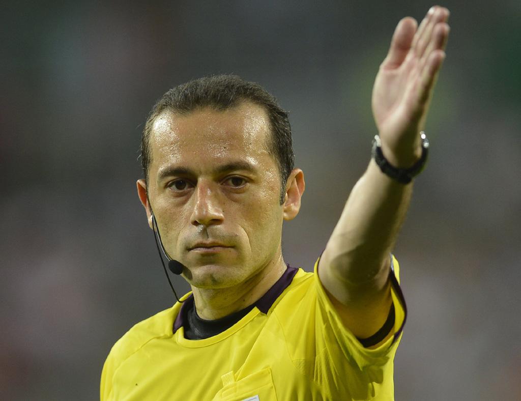 Portugal desconfia de escolha de árbitro turco para jogo com Espanha
