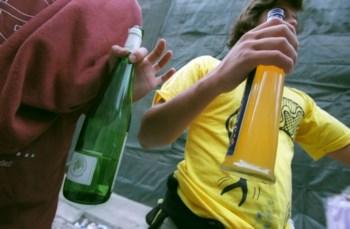Segundo o último inquérito, 12,9% dos alunos de 13 anos responderam ter consumido álcool nos últimos 30 dias
