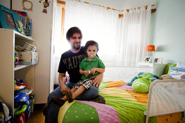 Frederico Palma com o filho Vicente, de três anos.