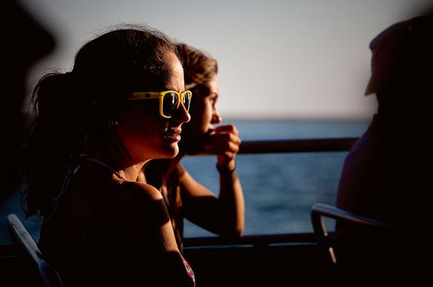 No barco que liga a ilha da Barreta a Olhão