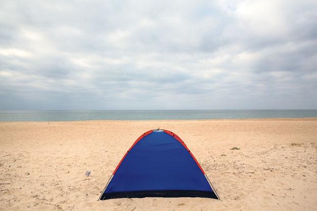 Uma tenda na praia da Ilha de Tavira