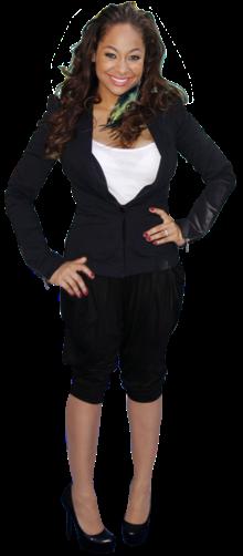 Ainda que o evento tenha como público alvo os jovens, o visual da actriz Raven Symone é demasiado casual e sofre de um óbvio problema de proporções. Do casaco de mau corte, passando pelo soutien visível, até aos calções que distorcem as proporções e os collants mais claros do que o tom da pele, esta jovem actriz precisava de alguma orientação na hora de escolher o outfit para o evento.
