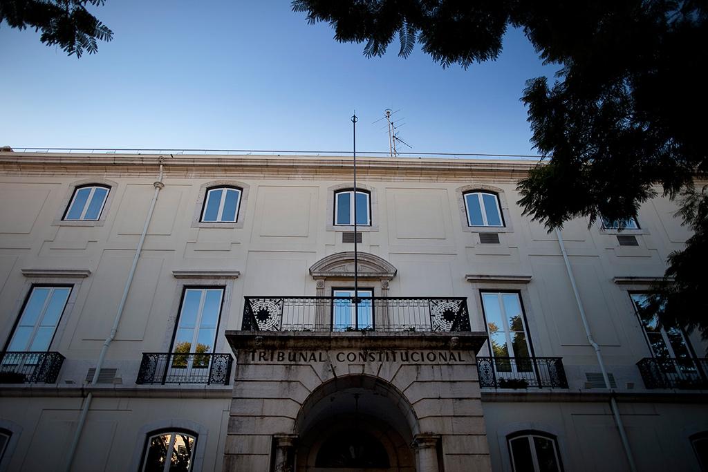 <p>O Tribunal Constitucional chumbou os cortes de subsídios, mas com efeitos apenas a partir do próximo ano Pedro Cunha</p>