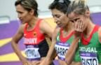Jéssica Augusto emocionada, ao lado de Marisa Barros, após o seu melhor resultado na maratona