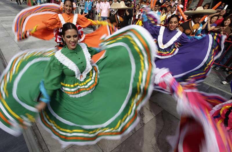 China, Pequim, 17.09.2011 | Festa mexicana na China: danças do México na abertura do Festival Internacional de Turismo de Pequim.
