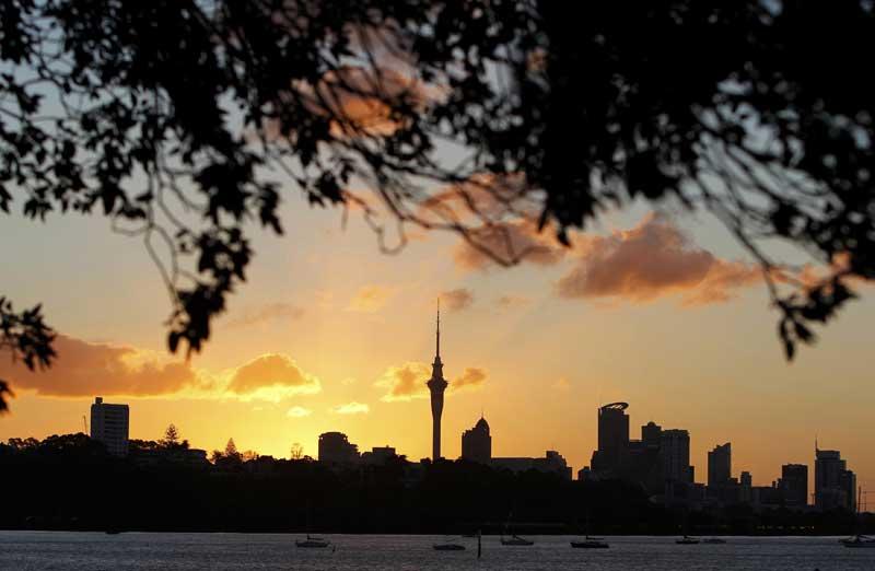Nova Zelândia, 20.09.2011 | Há momentos assim: pôr-do-sol sobre Auckland.