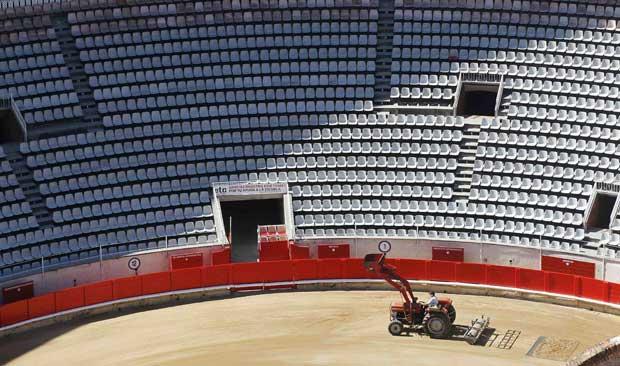 A preparar a arena.