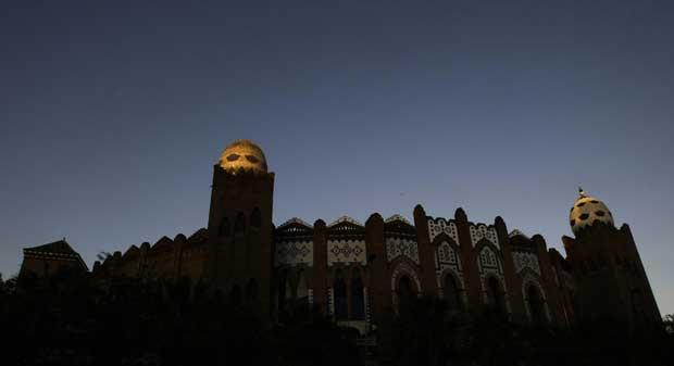 A noite cai sobre a Monumental. Foram os últimos