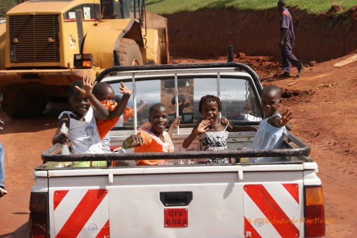Uganda, Agosto 2011, às portas da capital, Kampala - por Eduardo Montinhos