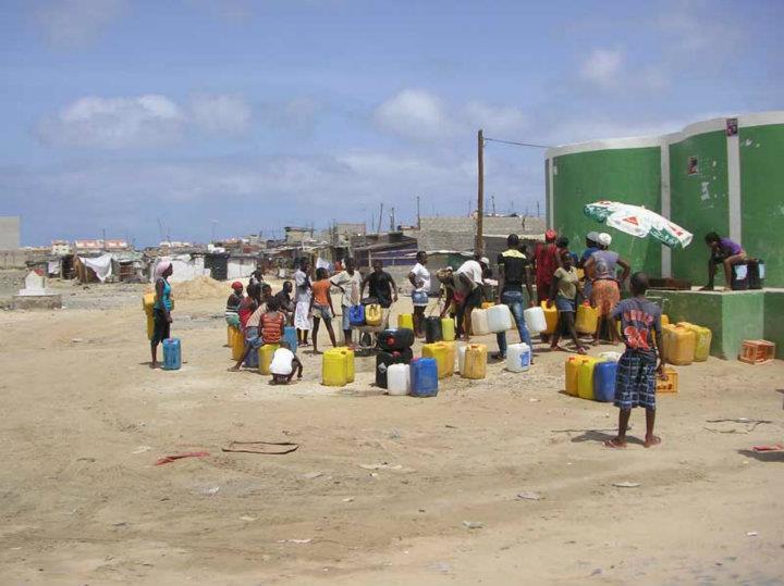 Favela de Sal Rei, Boa Vista, Cabo Verde - por Carla Mouquinho