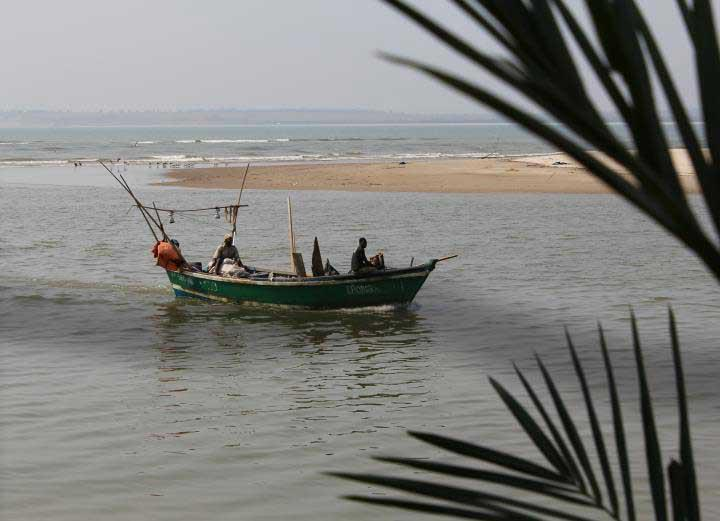 Vista do Complexo Turístico Pasárgada na Barra do Dande (Angola, 8 de Agosto de 2011) - por Sara Rodrigues