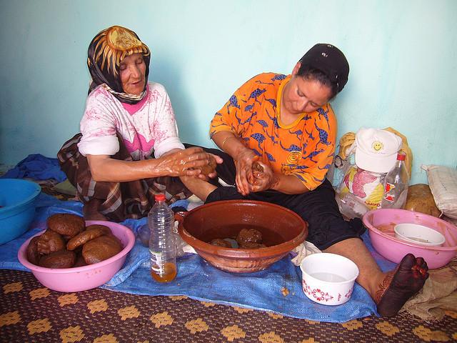 A produção de óleo de argãoé o principal ganha-pão de 400 mil famílias marroquinas