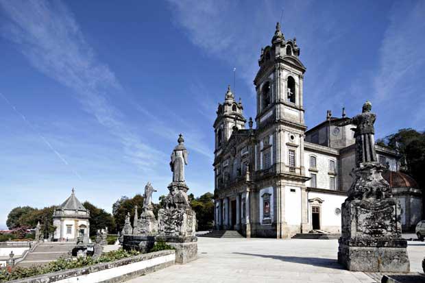 O templo projectado por Carlos Amarante foi concluído em 1811.