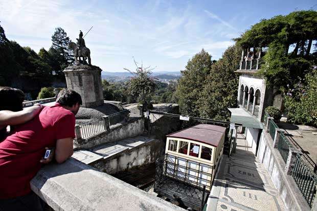 O primeiro funicular da península ibérica.