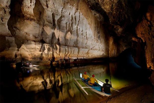 Rio subterrâneo Puerto Princesa (Filipinas).