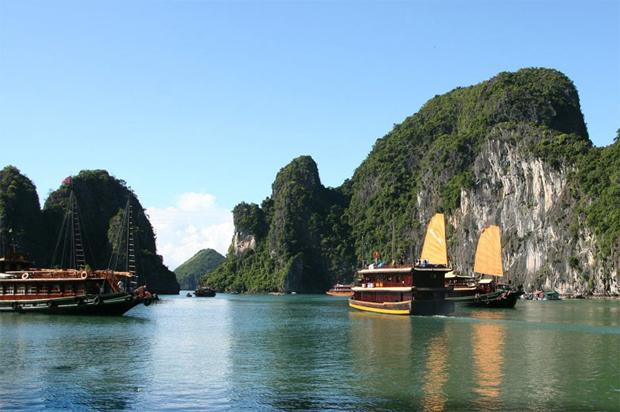 Baía de Halong (Vietname).
