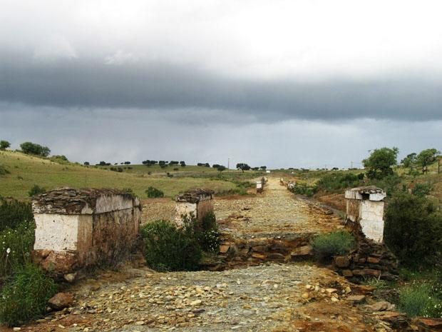 Alentejo, Mértola, ponte da antiga linha, Minas de S. Domingos.