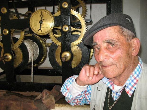 Alentejo, Mértola, o sr. Xico Rouxinol, antigo guardião da Torre do Relógio.