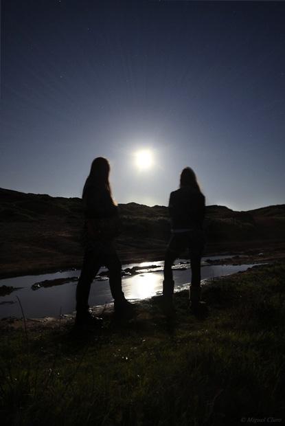 Uma Super Lua Cheia no momento em que se encontrava no perigeu (na zona orbital mais próxima da Terra). A maior Lua cheia das últimas duas décadas, 14% maior e 30% mais brilhante. No Farol e região do Cabo Espichel, Sesimbra, em 19/03/2011.