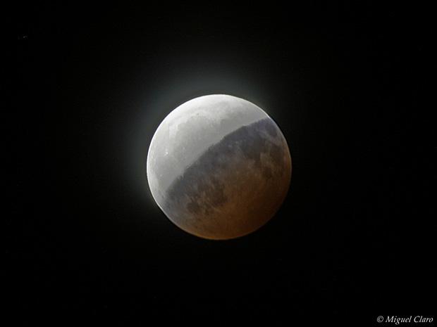 Eclipse parcial da Lua (16/08/08)