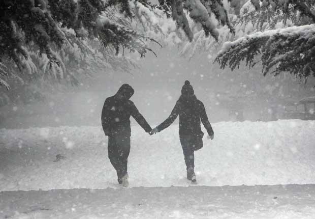 Geórgia, 28.11.2011 | Durante um nevão, um passeio de mão dada por um parque de Tbilissi.