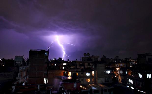 Relâmpagos sobre Katmandu