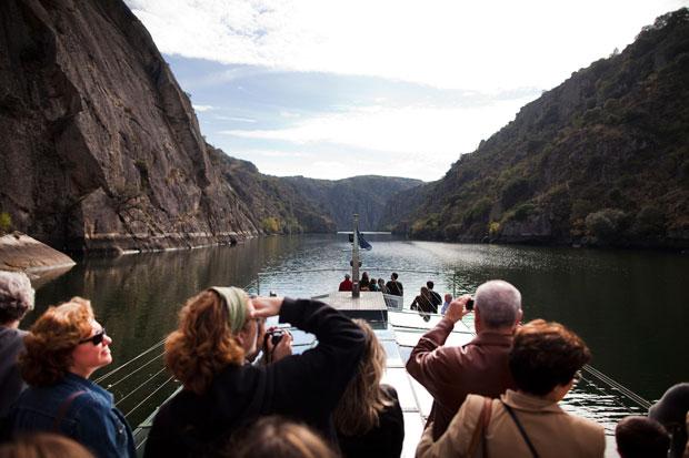 Miranda do Douro, barco de turismo ecológico