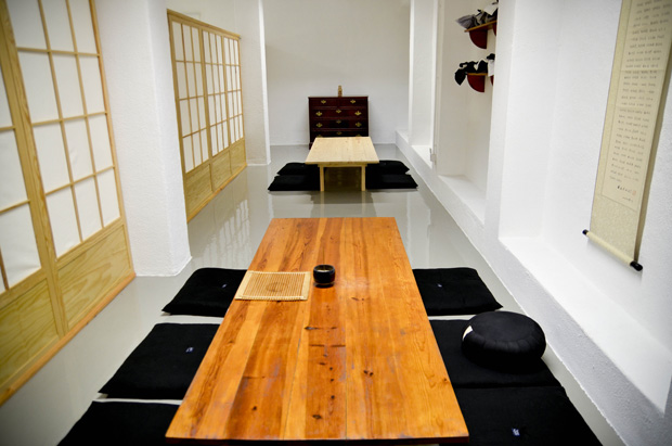 Espaço onde se fazem as refeições, após as sessões de zazen.
