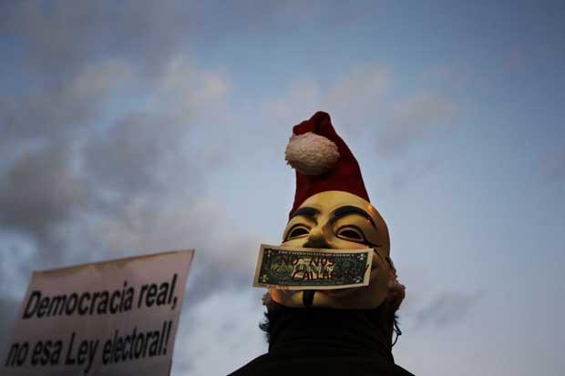 Espanha. O barrete de Pai Natal fez-se ver até no movimento Occupy em Madrid