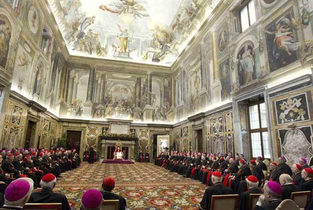 Vaticano. Audiência papal com a Cúria para as saudações natalícias