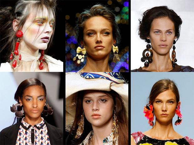 Brincos grandes Vivienne Westwood e Etro, Dolce & Gabbana e D&G, Marni e Blumarine.