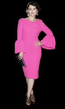 A actriz norte-americana, Ginnifer Goodwin, desfilou à frente dos fotógrafos com um vestido cor-de-rosa fluorescente. A escolha do vestido, pela cor e pelas mangas, valeu-lhe muitas críticas negativas até agora, no entanto, consideramos que a actriz fez uma excelente escolha! A cor do vestido, da colecção de Roksanda Illinicic de Primavera/Verão, é uma das tendências do Verão, e uma das que poucos poderão ou saberão usar. Já Ginnifer sabe e tem o porte para usar qualquer coisa. Nós damos-lhe os parabéns pela ousadia!