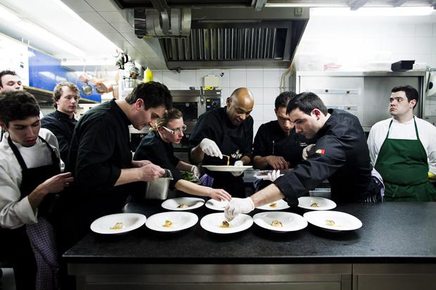 A equipa de cozinha do Vila Joya