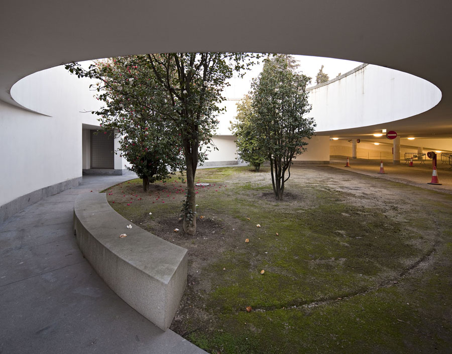 Parque de Estacionamento da Mumadona (Siza Vieira)