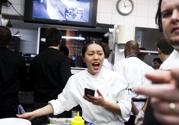 Doisdos assistentes do chef americano